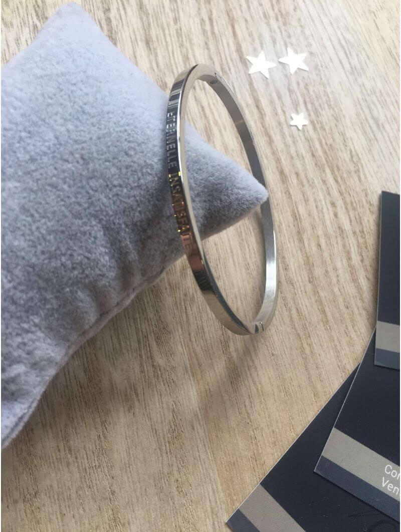 """""""Eternelle insatisfaite"""" Bracelet métal texte"""