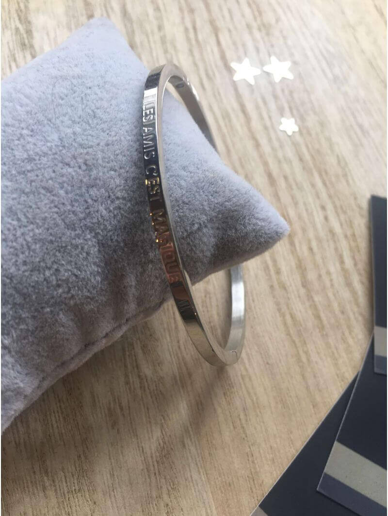 """""""Les amis c'est magique"""" Bracelet métal texte"""